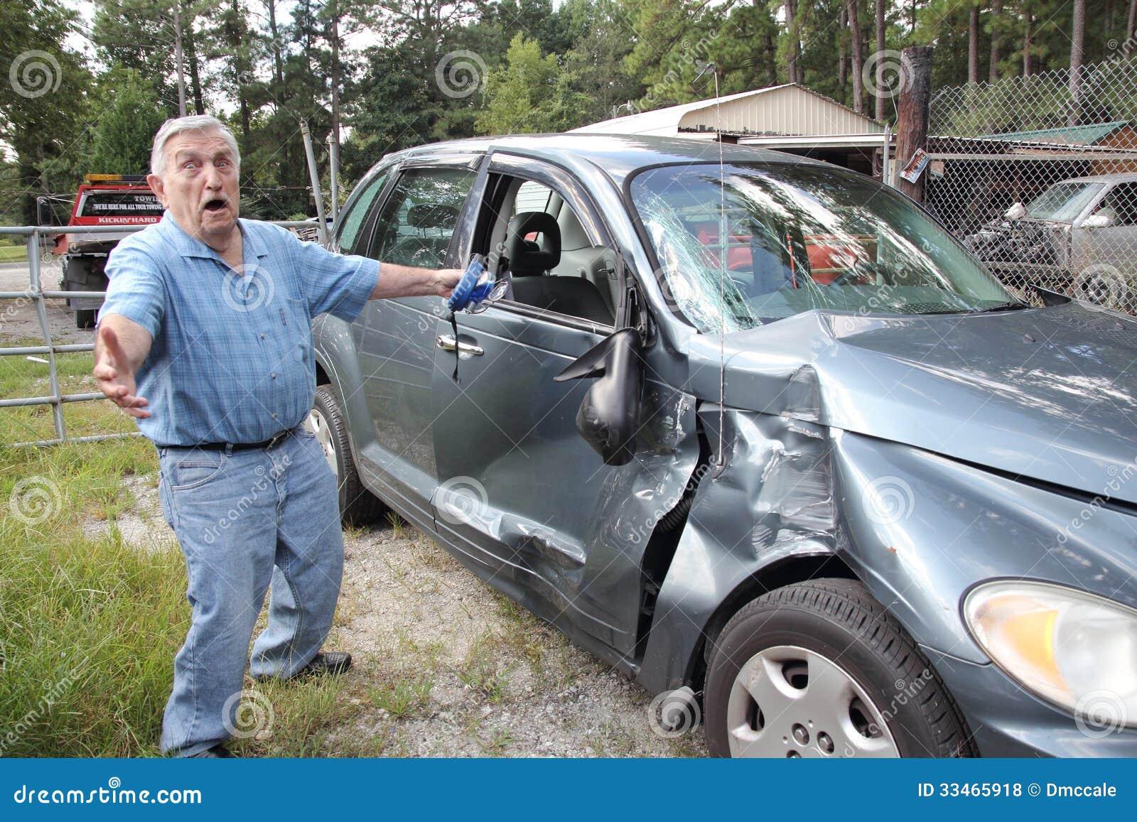 Épave supérieure de voiture