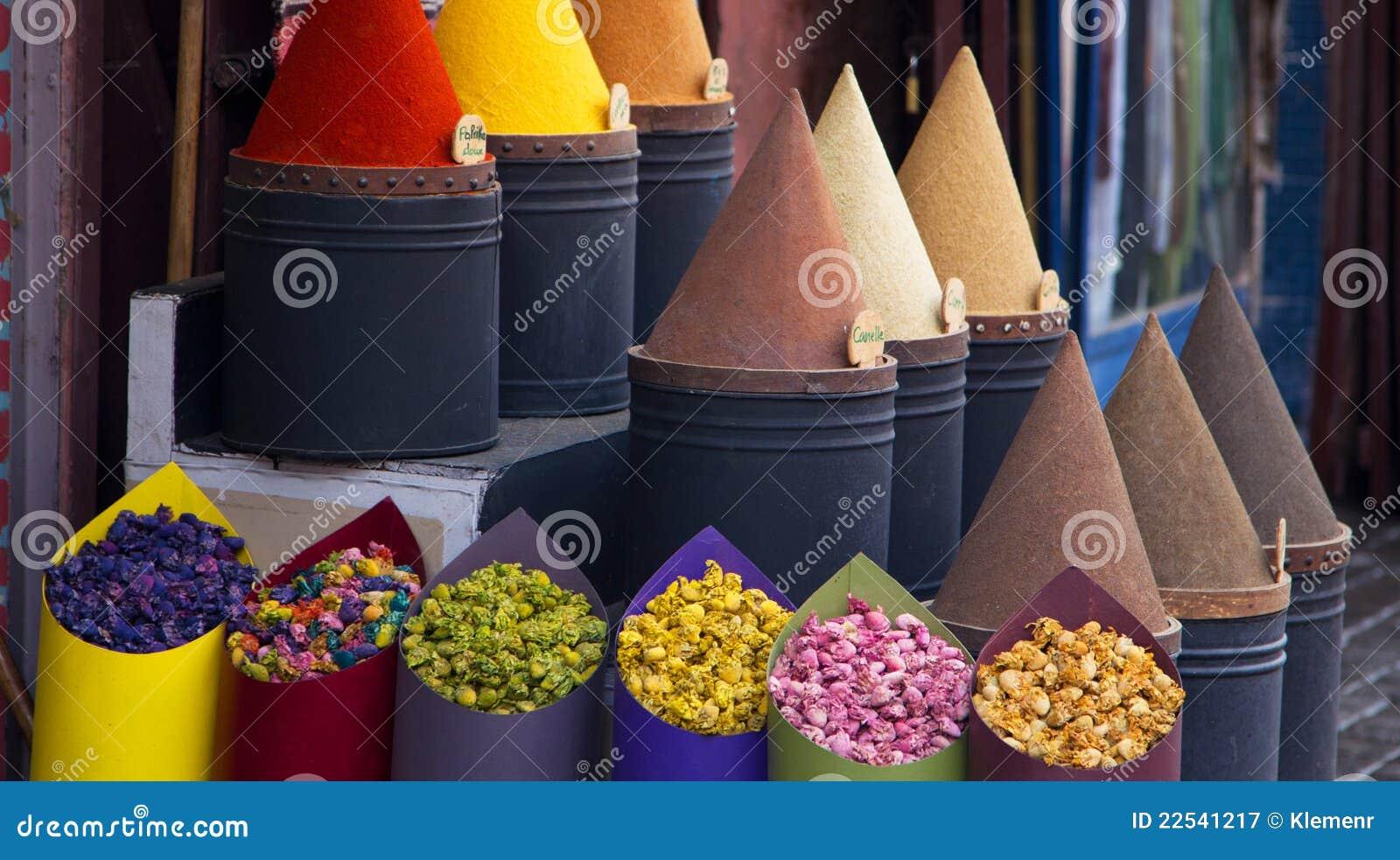 Épices et système de fleur à Fez, Maroc