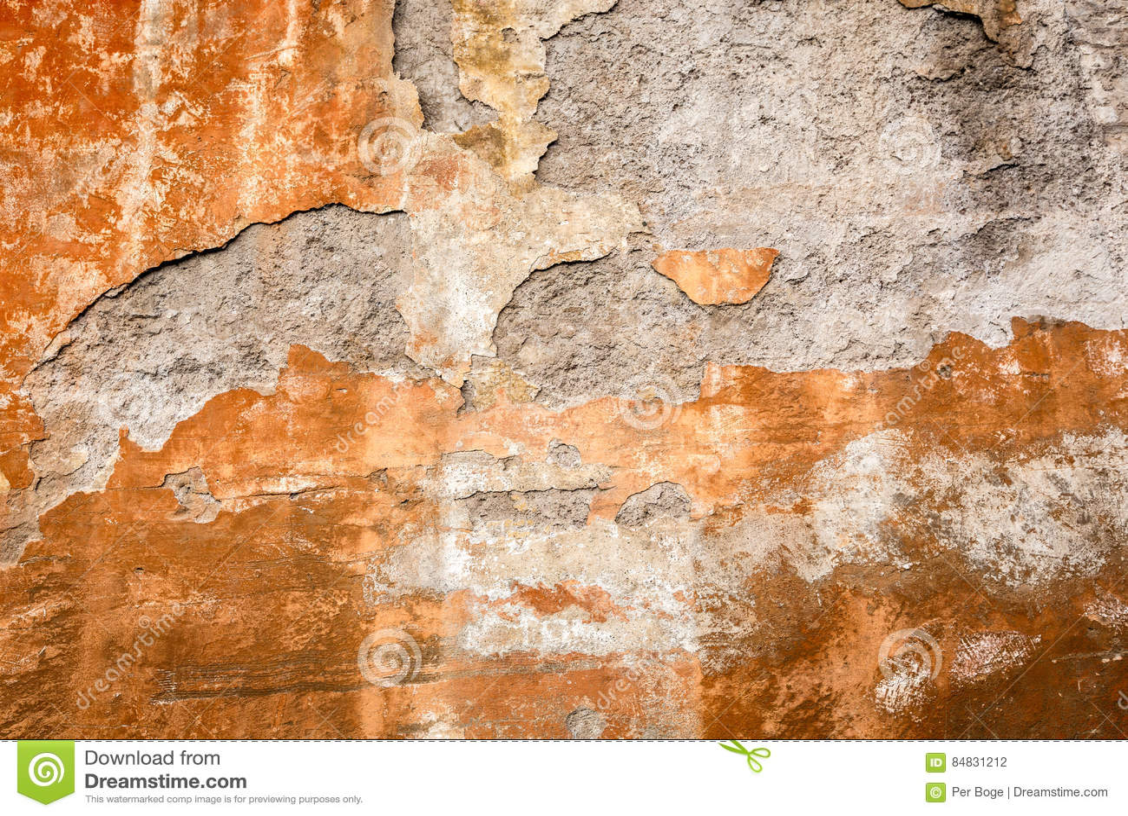 Peindre Mur Pierre Exterieur Épluchage de la peinture rouillée sur le mur en pierre
