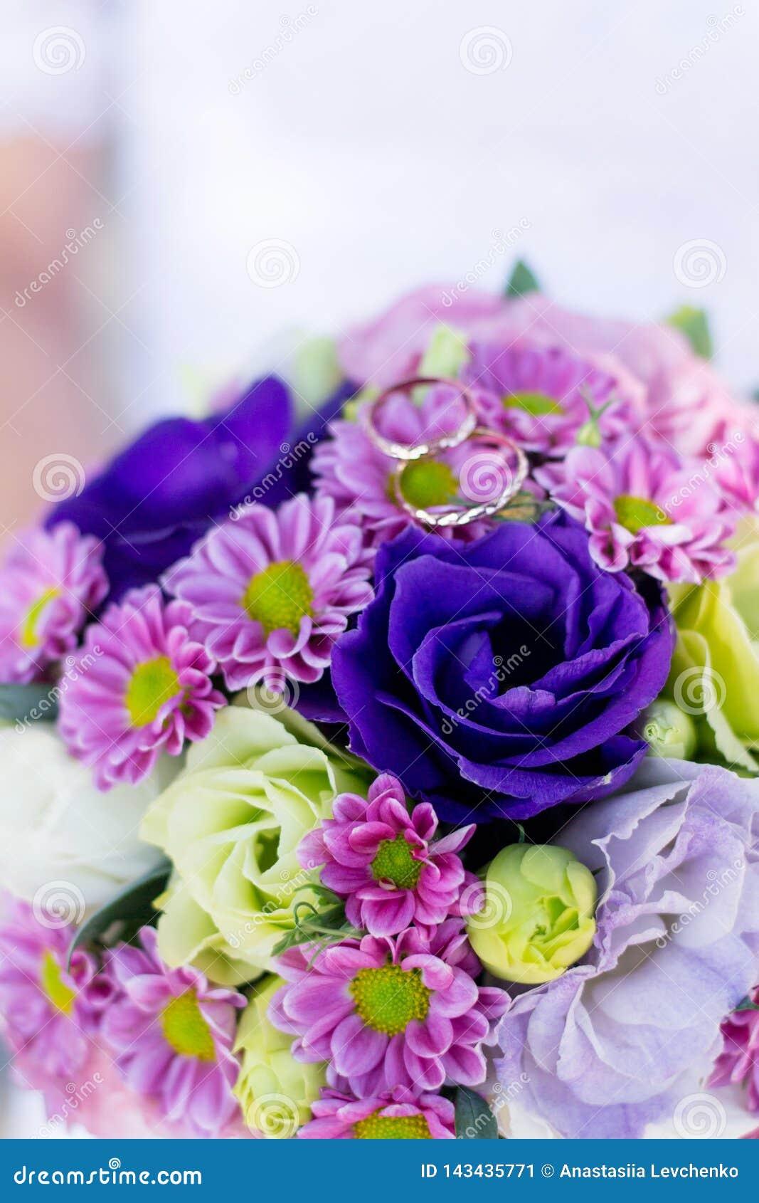 épouser Le Bouquet Et Les Anneaux De Fond Le Bouquet Du S