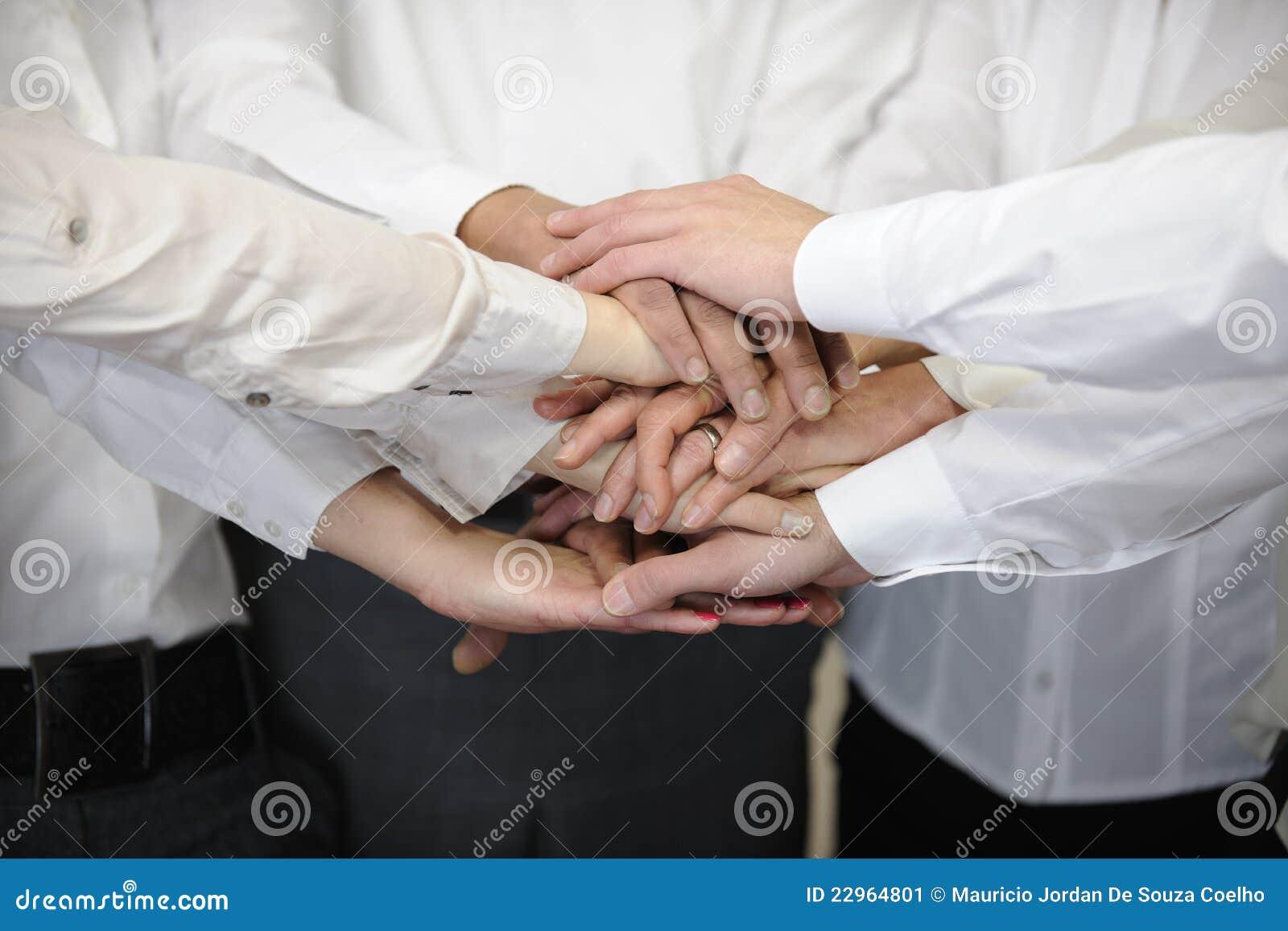 Équipe d affaires avec des mains ensemble