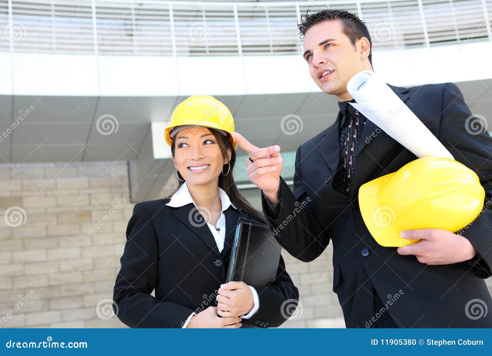 Équipe de construction d homme et de femme
