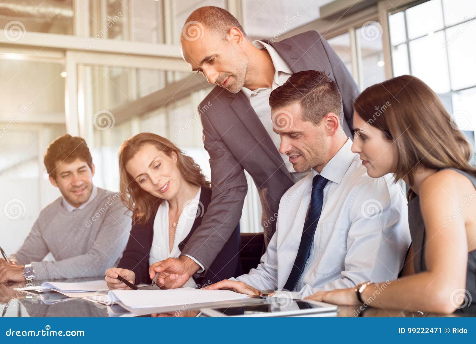Équipe de gens d affaires