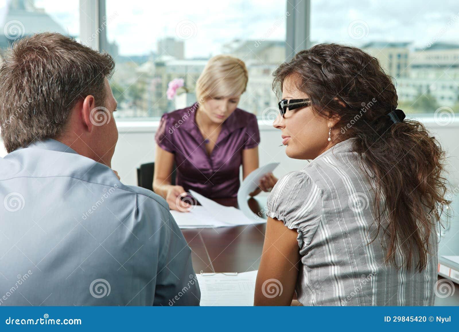 Gens d affaires lors de la réunion