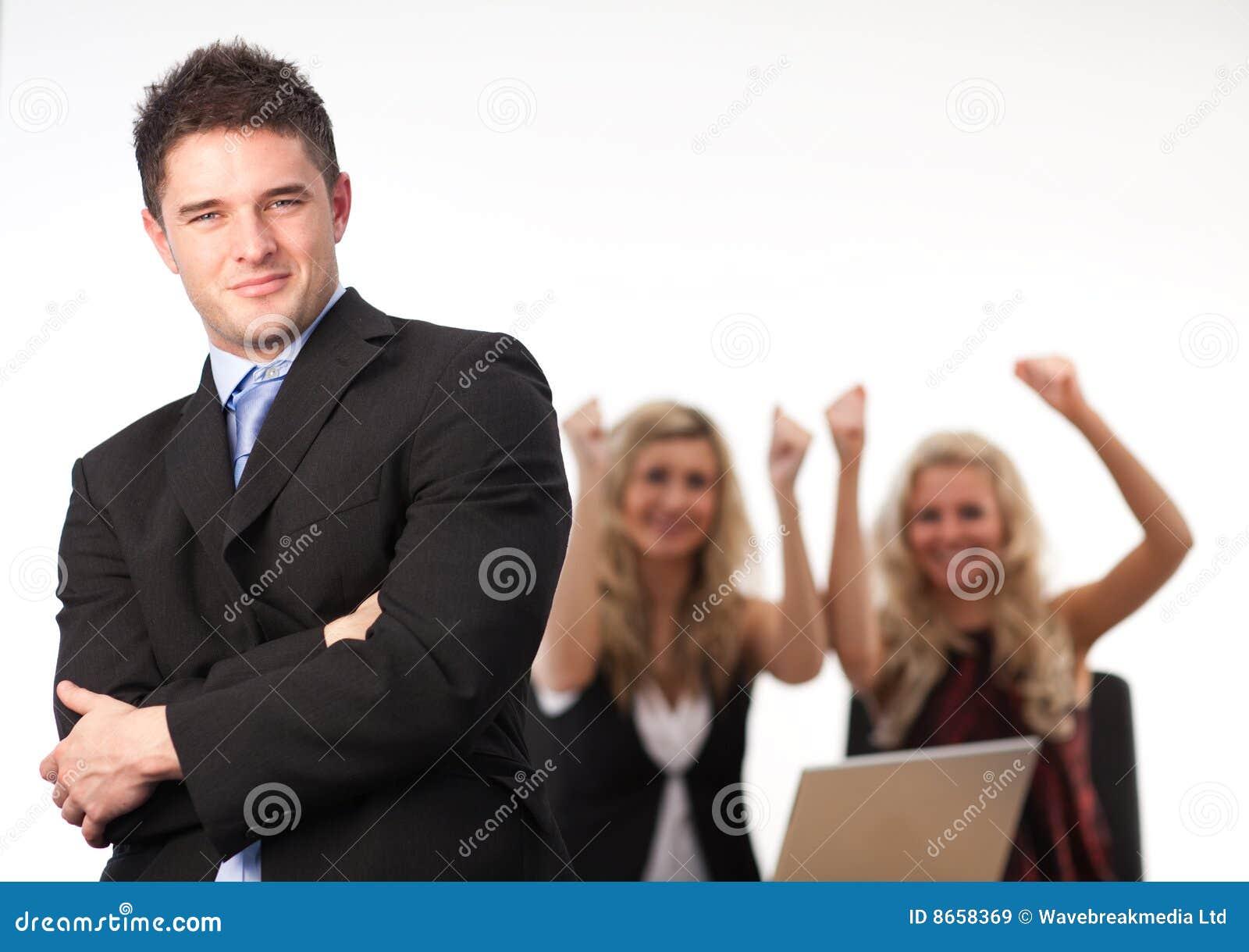 Équipe pliée par bras d homme d affaires