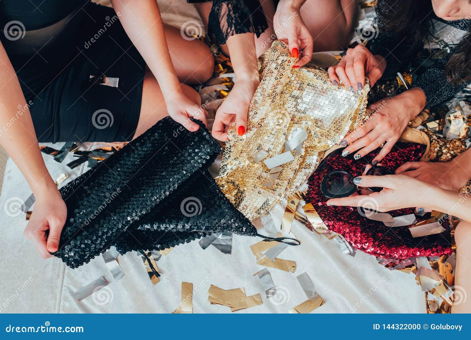 Équipement de paillette de mode de vie de charme de relaxation de filles