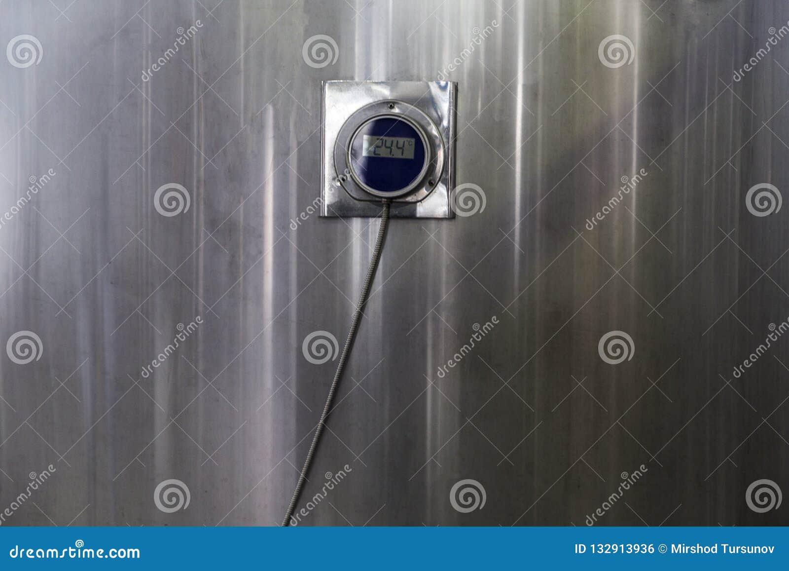 Équipement pour la mise en bouteilles étagée de production des produits alimentaires de finition , Thermomètre