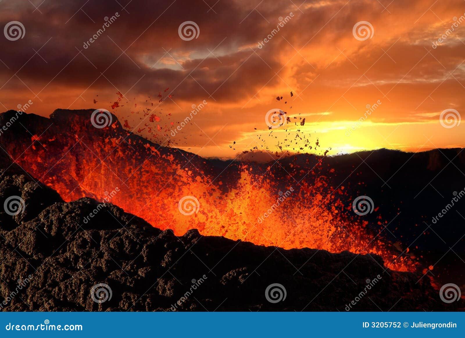 Éruption de volcan