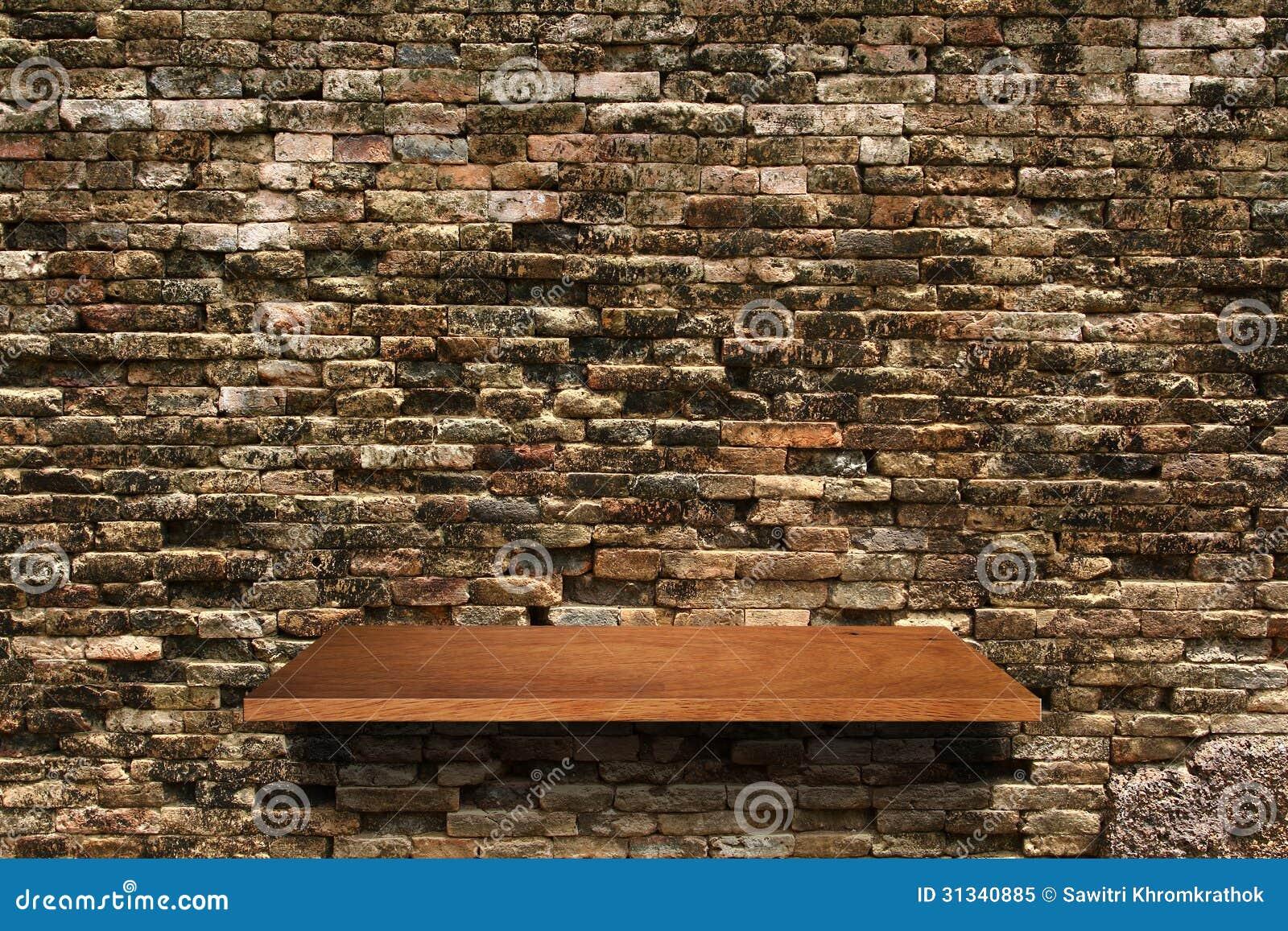 Étagère En Bois Sur Le Fond De Mur De Briques Photo libre de droits  Image  -> Etager Bois Brique