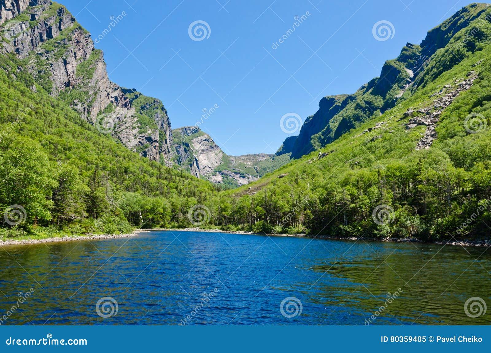 Étang occidental de ruisseau