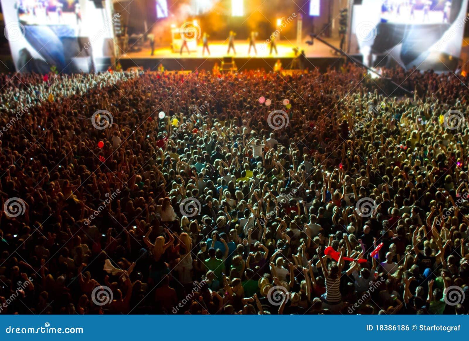 Étape avec la foule géante