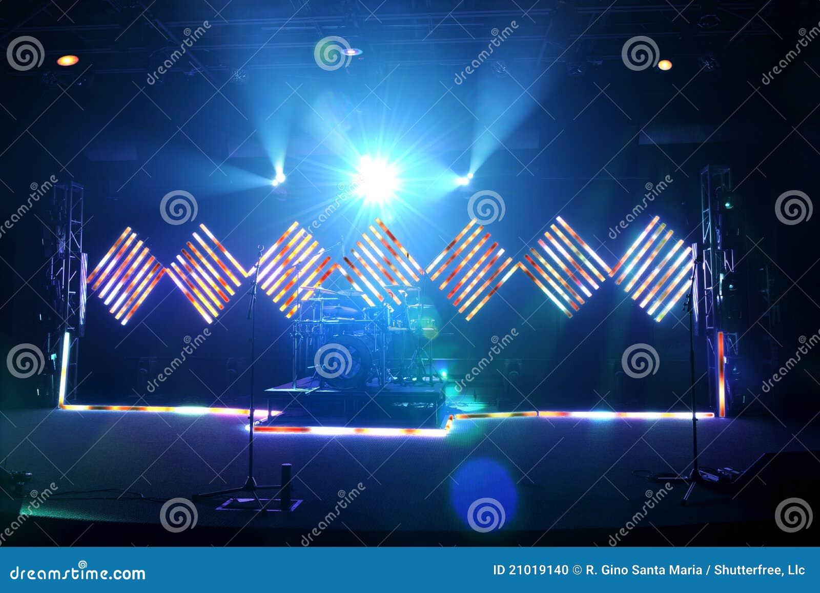 Étape de musique avec l inondation et les lumières de DEL