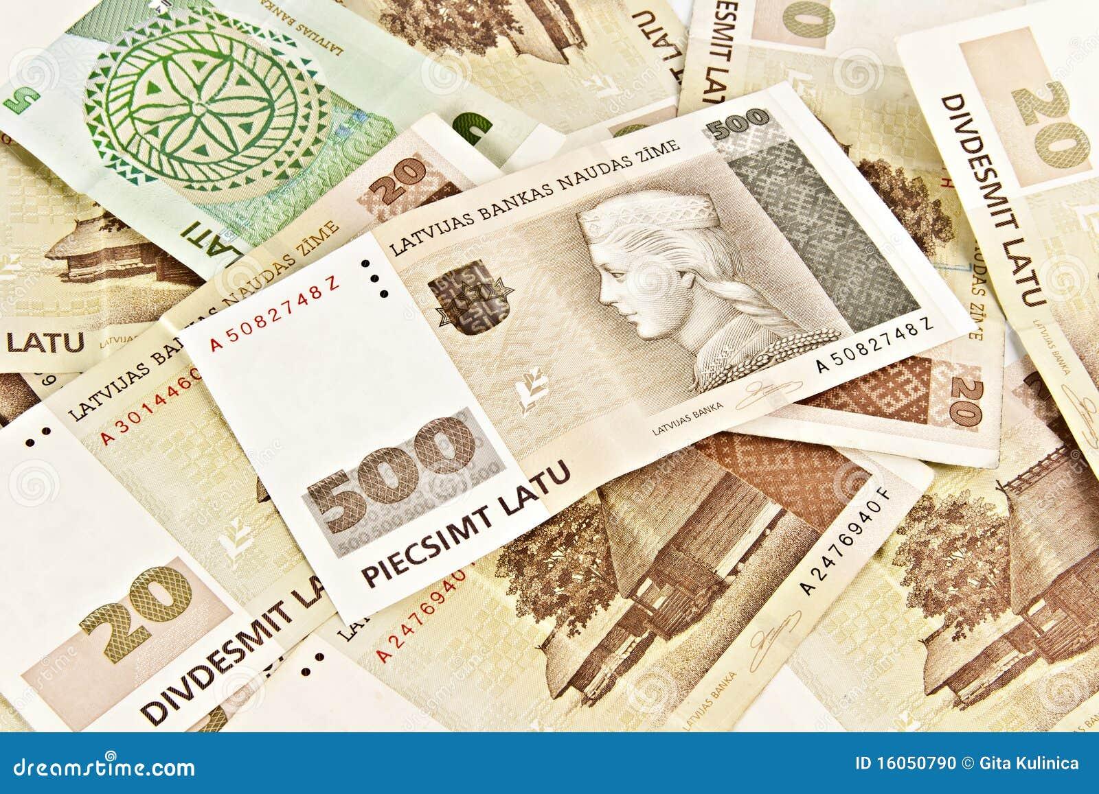 État letton cinq cents billets de banque de lats.