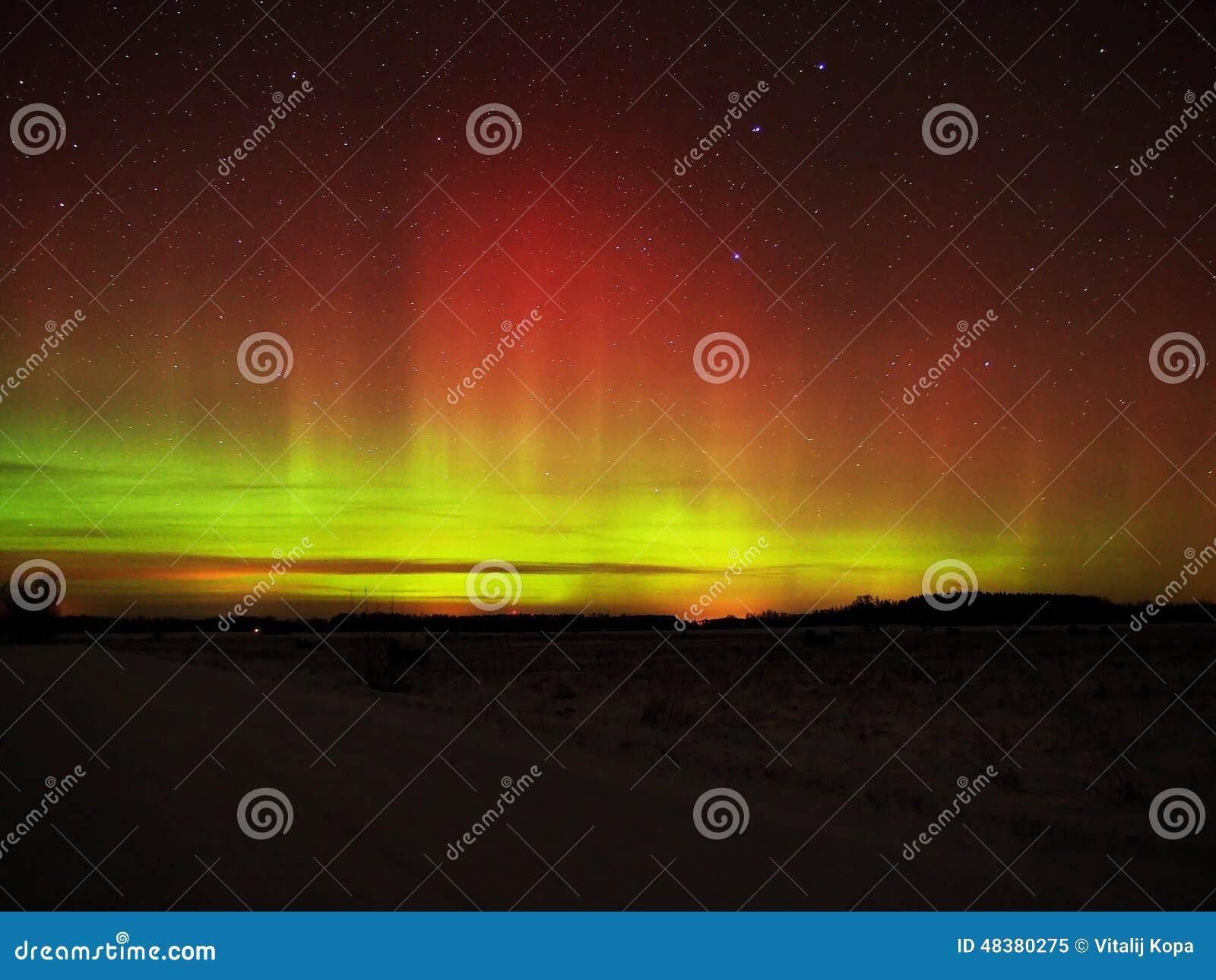 Étoiles et lumières polaires de l aurore