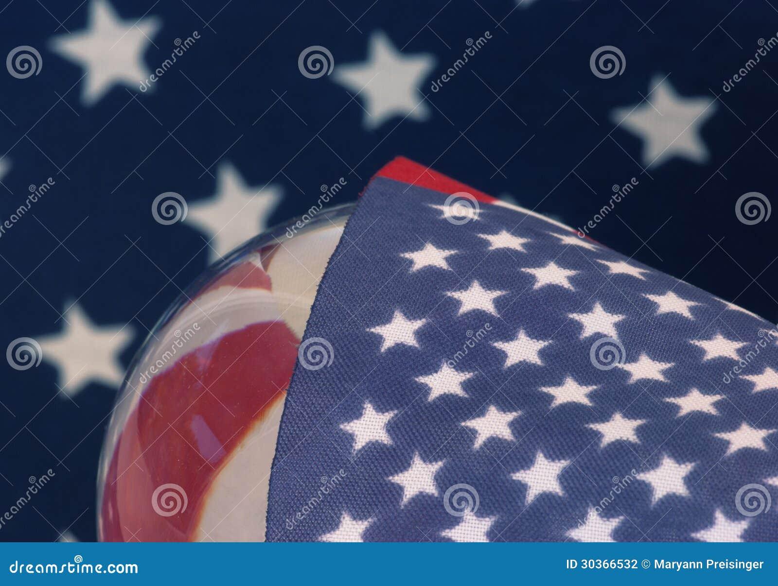 Étoiles globales de drapeau américain des Etats-Unis comme couverture