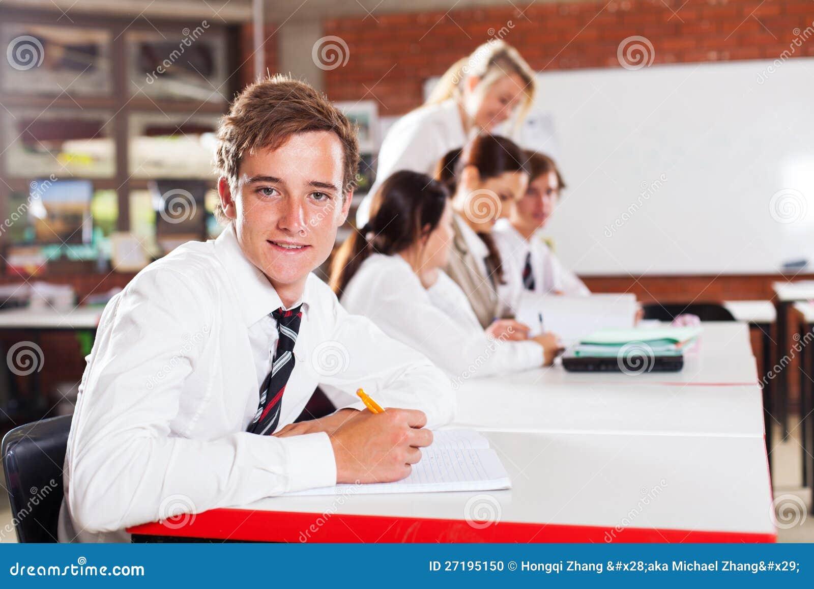 Étudiant d adolescent d école