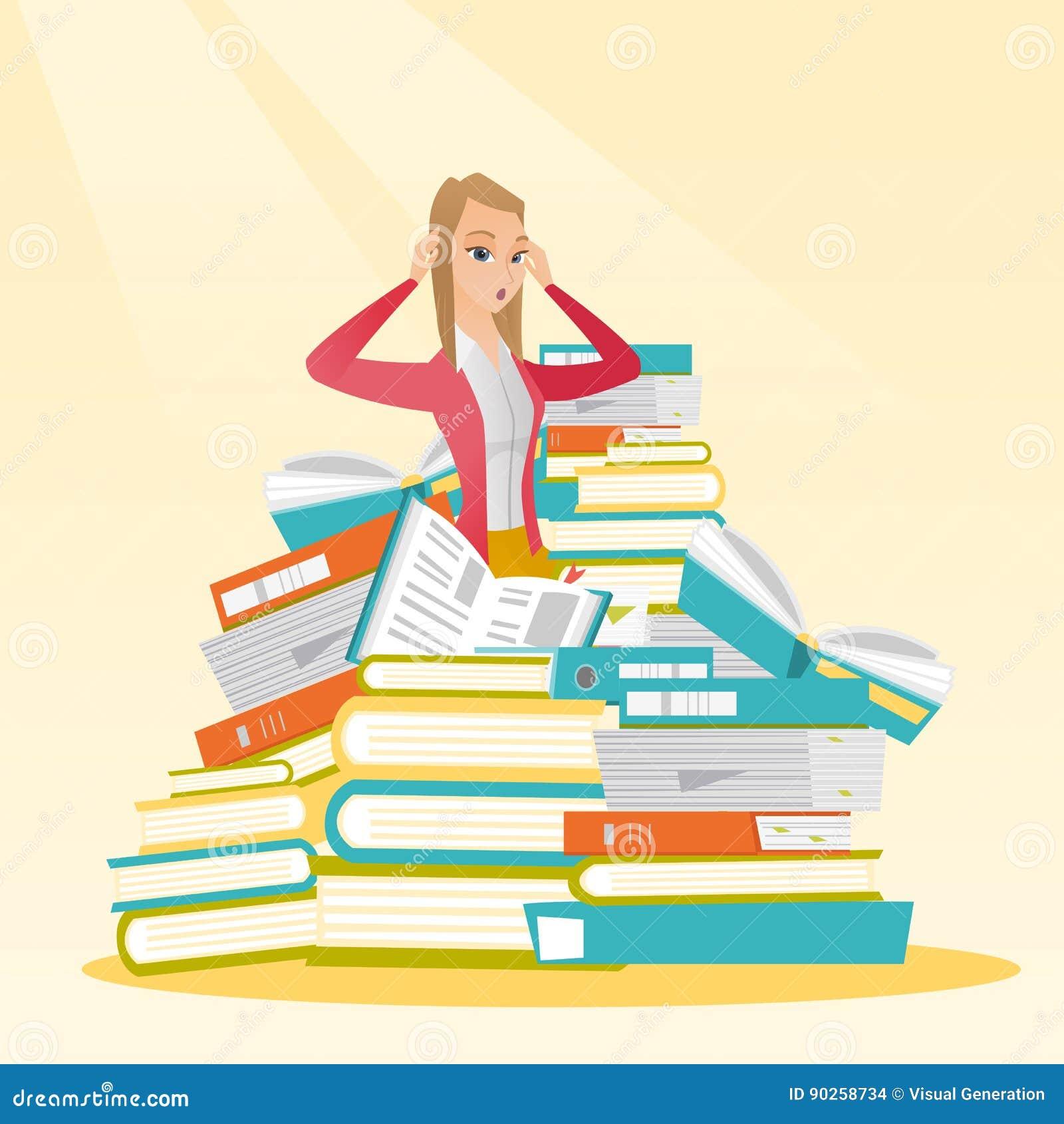 Etudiant S Asseyant Dans La Pile Enorme Des Livres