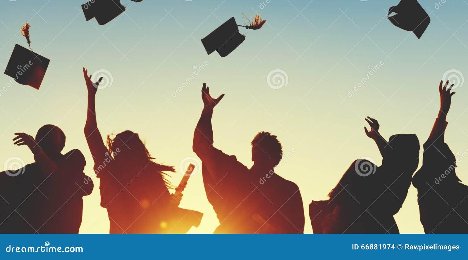 Étudiant Success Learning Concep d obtention du diplôme d éducation de célébration