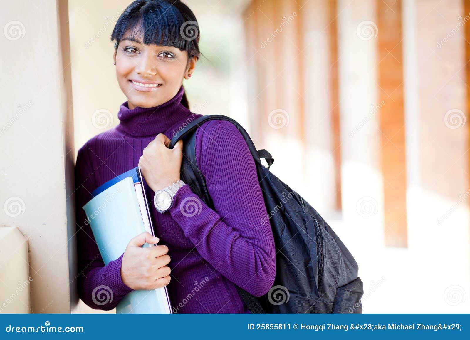 Étudiant universitaire féminin