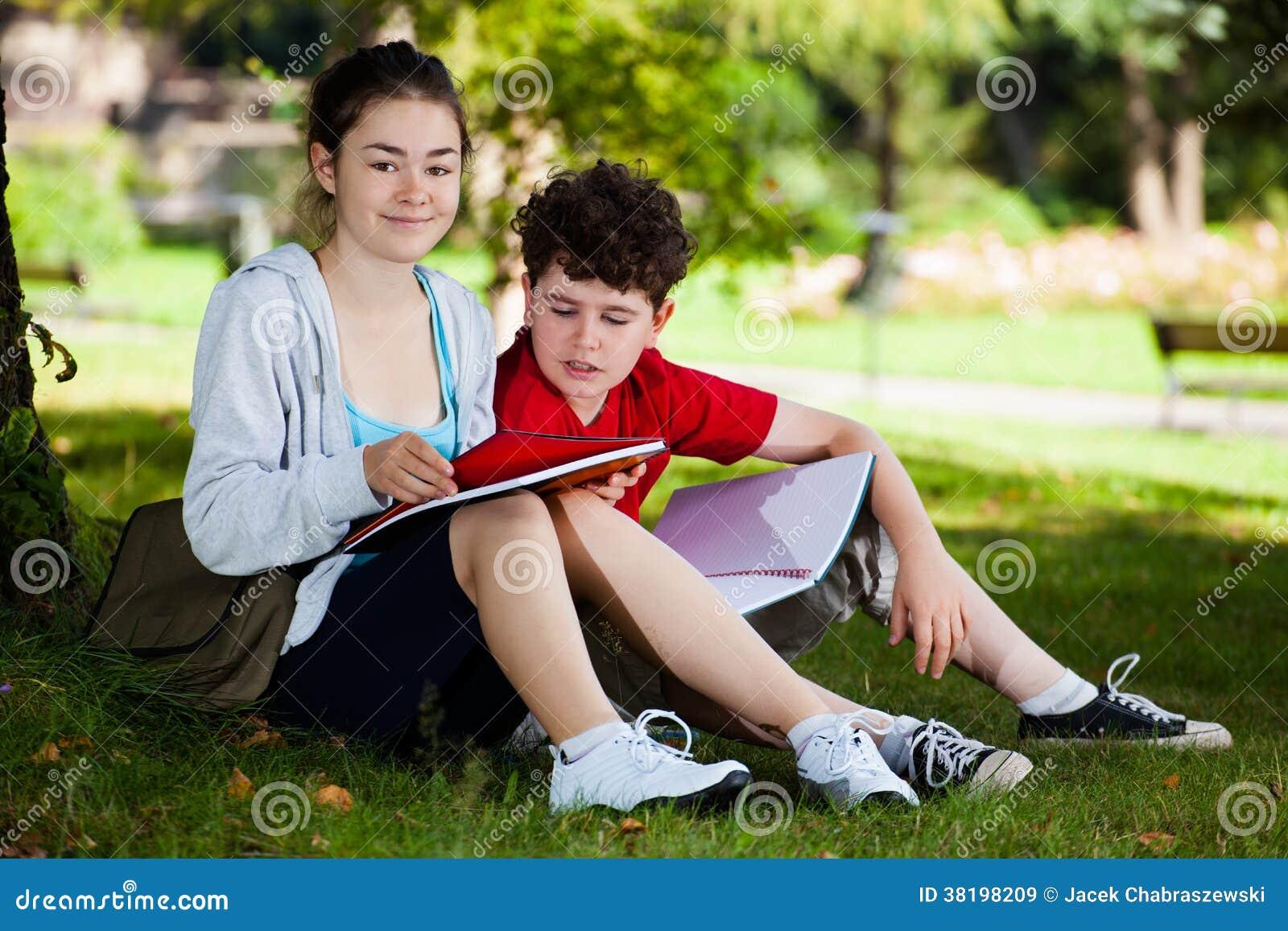 Étudiants en parc