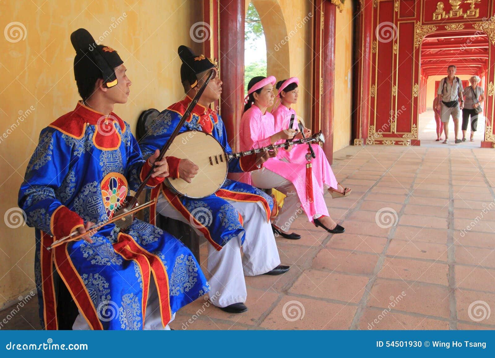 Événement traditionnel de représentation de musique du Vietnam en Hue