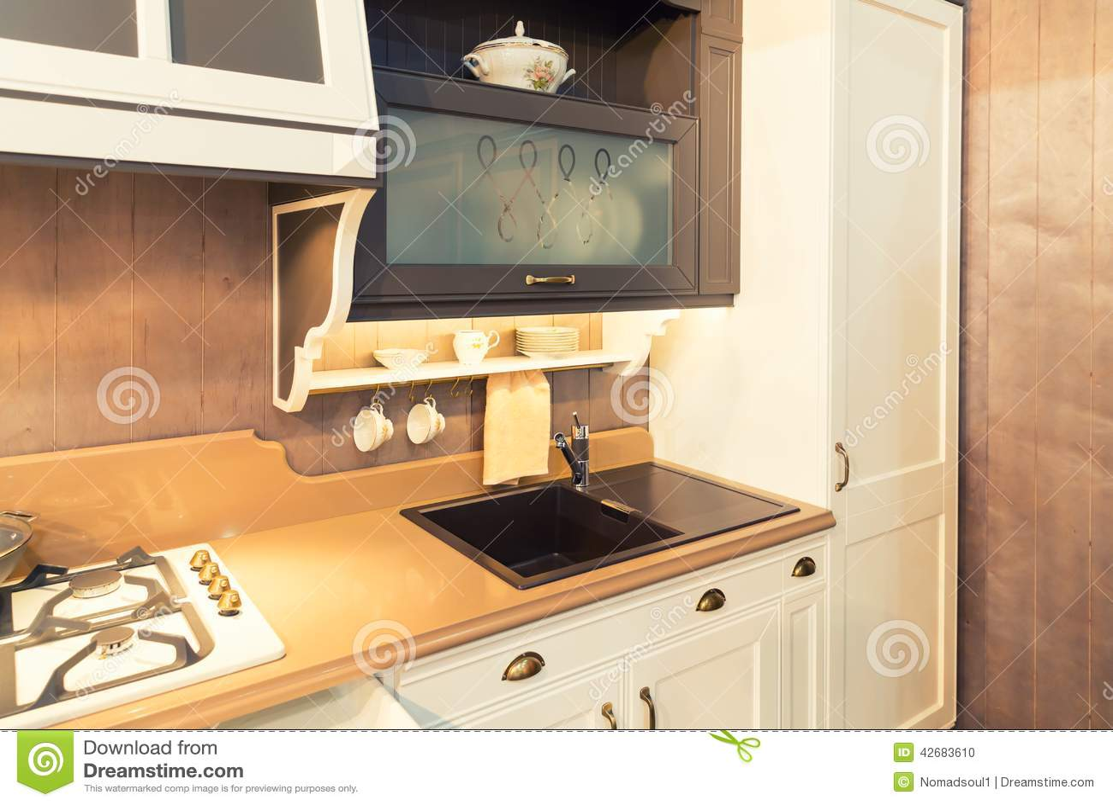 vier moderne de salle de bains dans en c ramique noir photo stock image du chrome maison. Black Bedroom Furniture Sets. Home Design Ideas