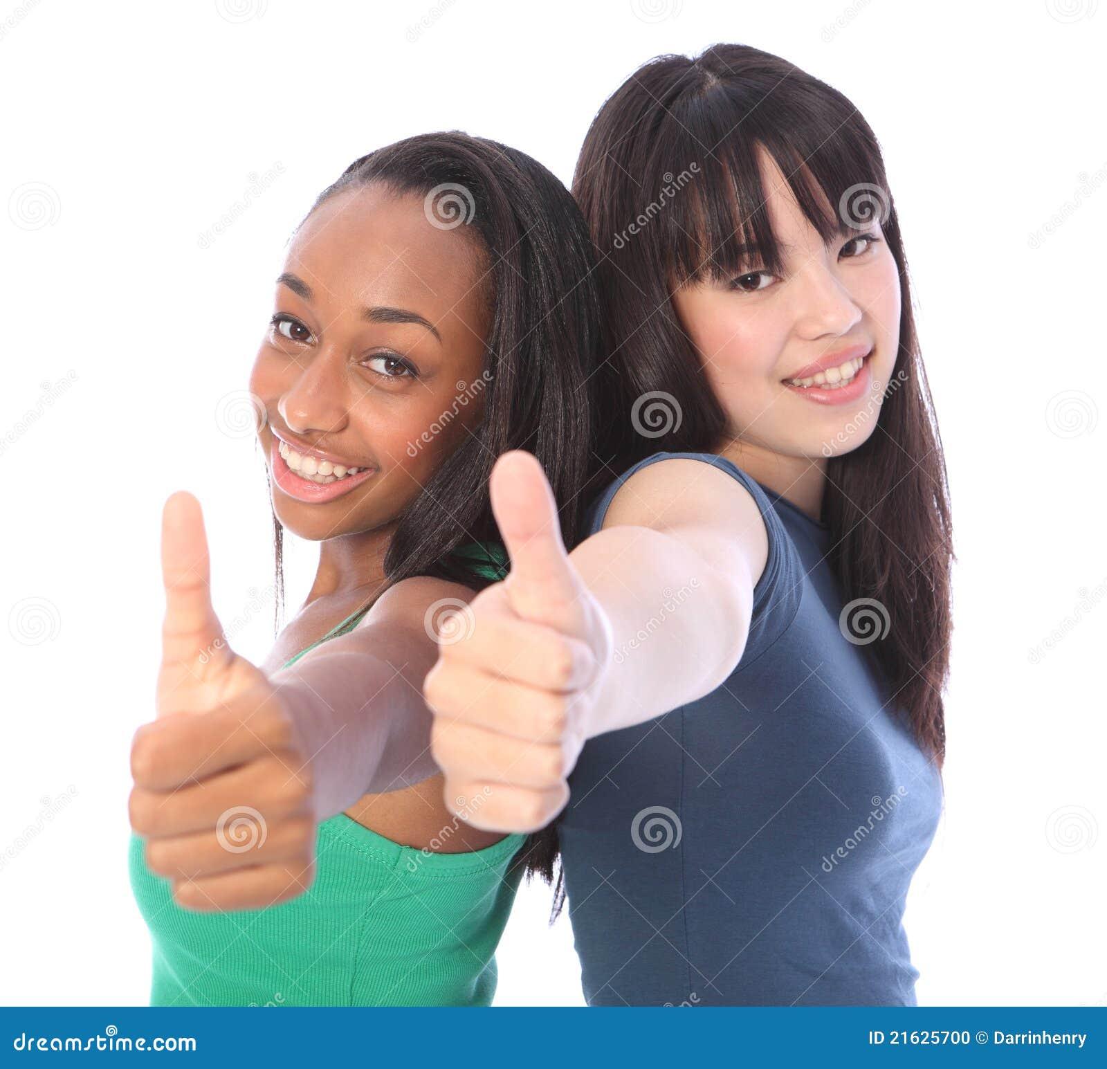 Éxito de las personas para los adolescentes africanos y japoneses