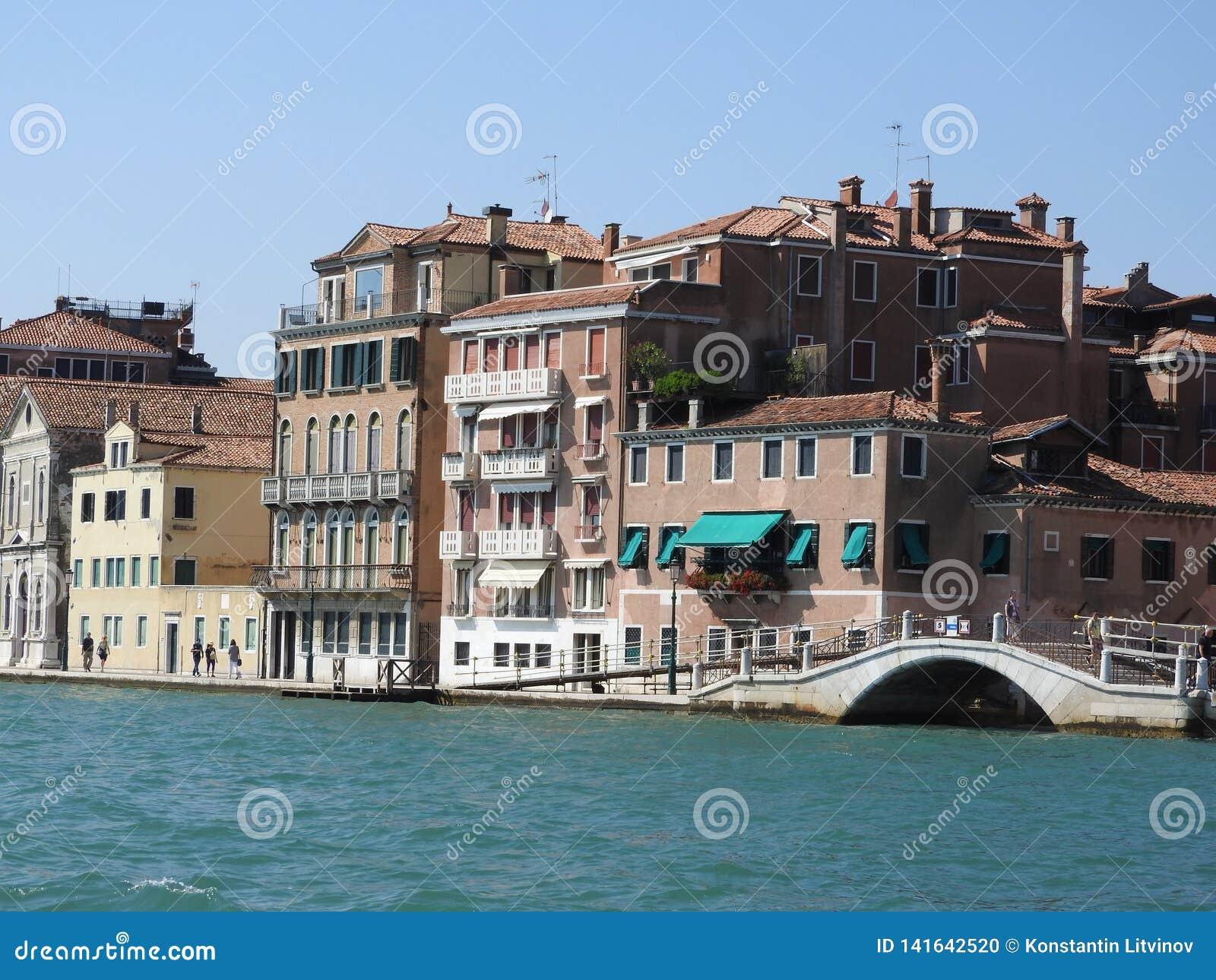 Άποψη της Βενετίας, της Ιταλίας και της άλλης αρχιτεκτονικής του από το μεγάλο κανάλι, σαφής ημέρα