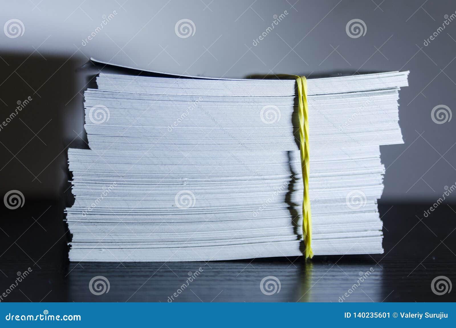 Ένας σωρός της Λευκής Βίβλου