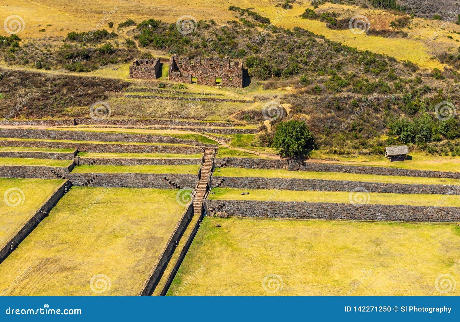 Εναέρια άποψη της καταστροφής Inca Tipon, Cusco, Περού