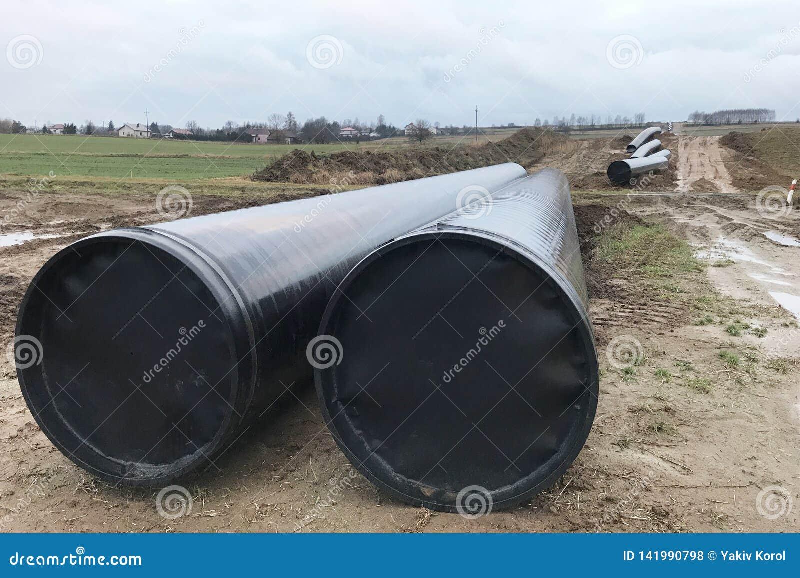 Μεγάλοι υδροσωλήνες/σωλήνες αερίου/σωλήνες ελαίου Τοποθέτηση της παροχής νερού μεταξύ των πόλεων Οι σωλήνες βρίσκονται στο έδαφος