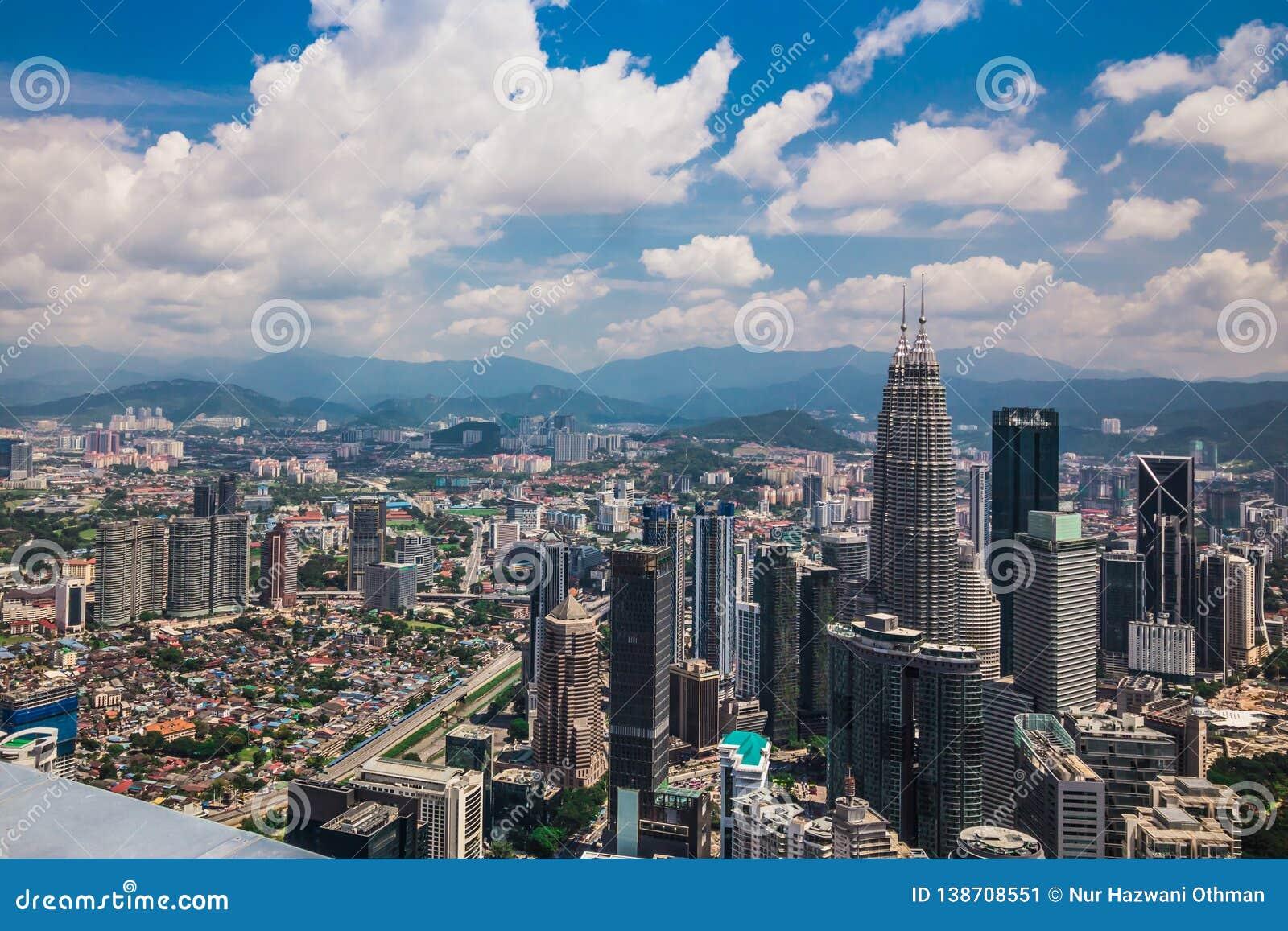 Μια άποψη από το πιό ψηλό κτήριο στη Κουάλα Λουμπούρ