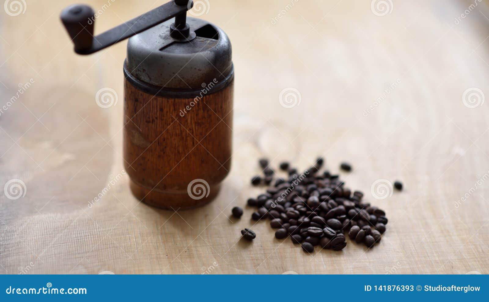 Μύλος καφέ με τα φασόλια coffe