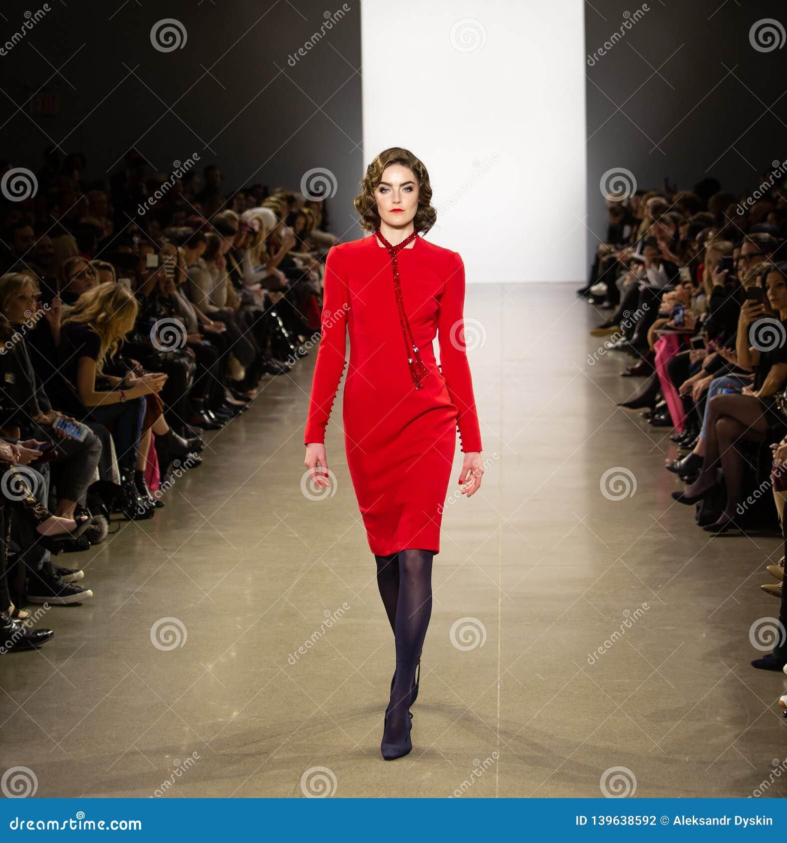 Ο διάδρομος Toi FW19 Zang παρουσιάζει ως τμήμα εκεί της εβδομάδας μόδας της Νέας Υόρκης