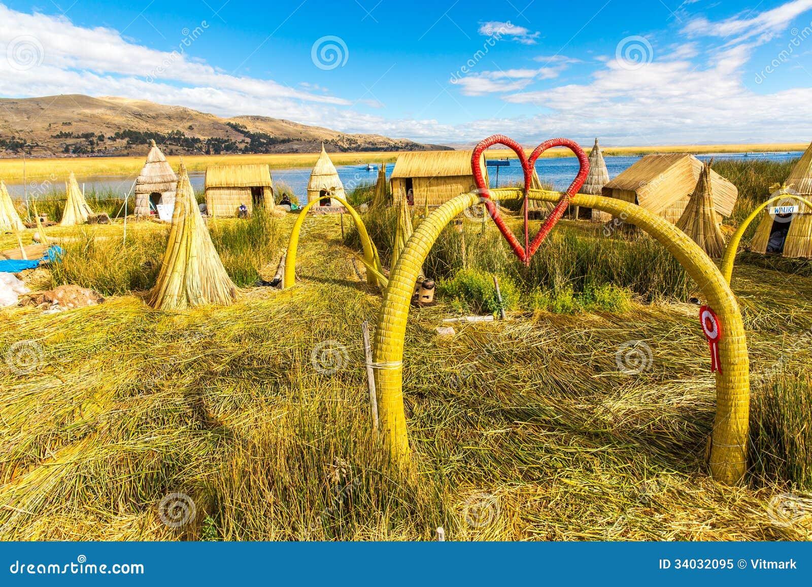 Les de flottement sur le lac titicaca puno p rou for Maison de l amerique du sud