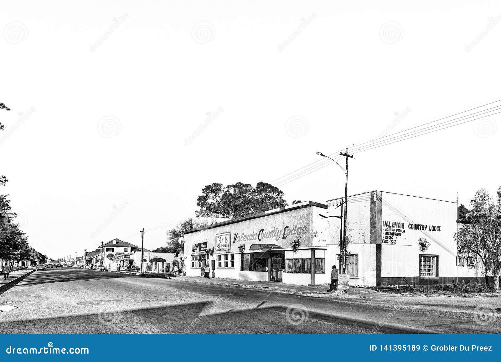 Σκηνή οδών, με το οίκημα και την τράπεζα, σε Brandfort μονοχρωματικός