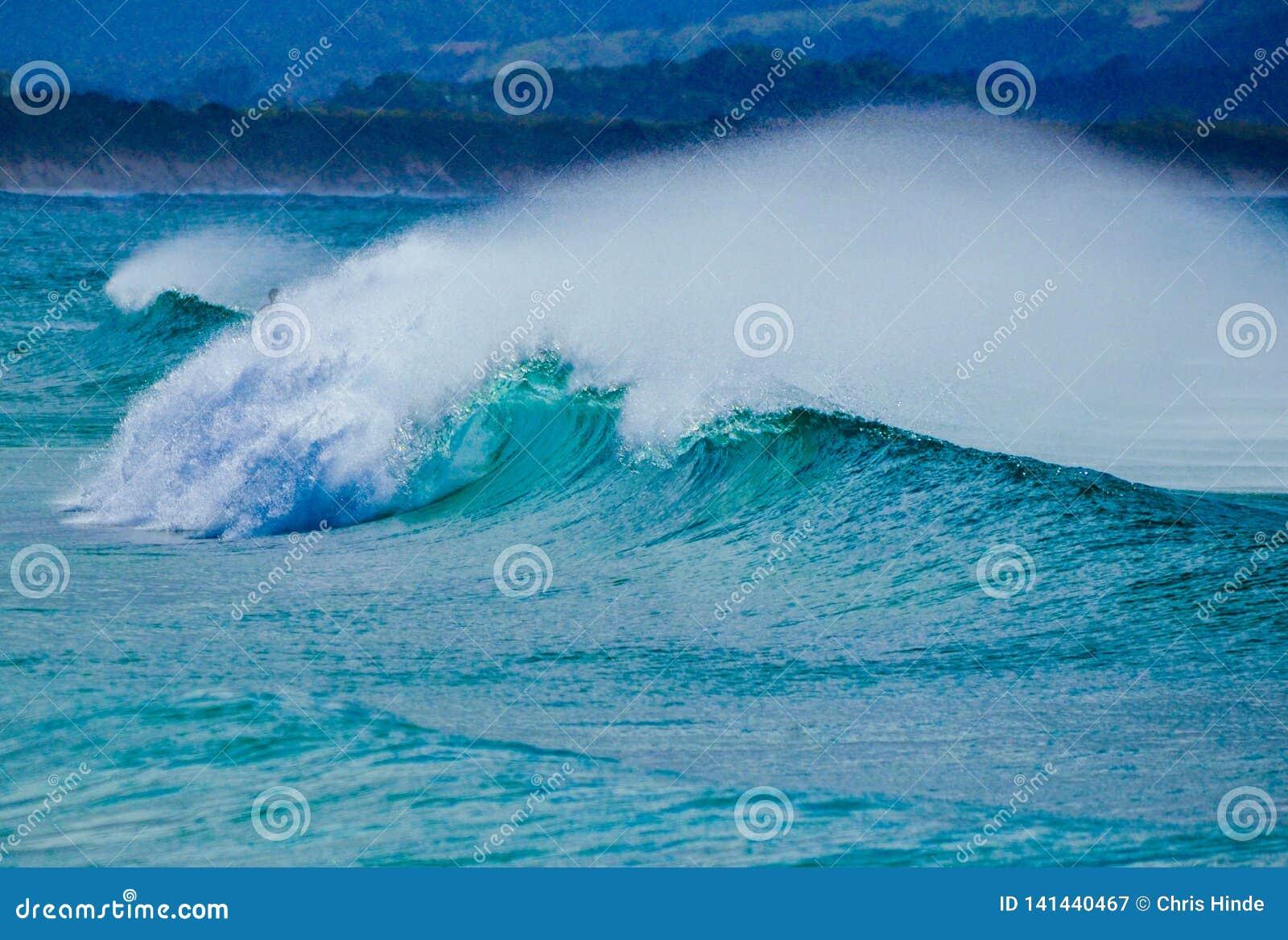 Ωκεάνιο σπάσιμο κυμάτων