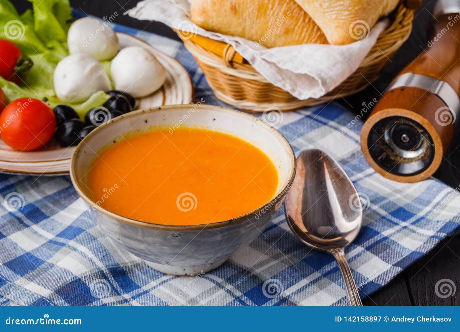 Παραδοσιακή σούπα κολοκύθας, νόστιμος και θερμαίνοντας