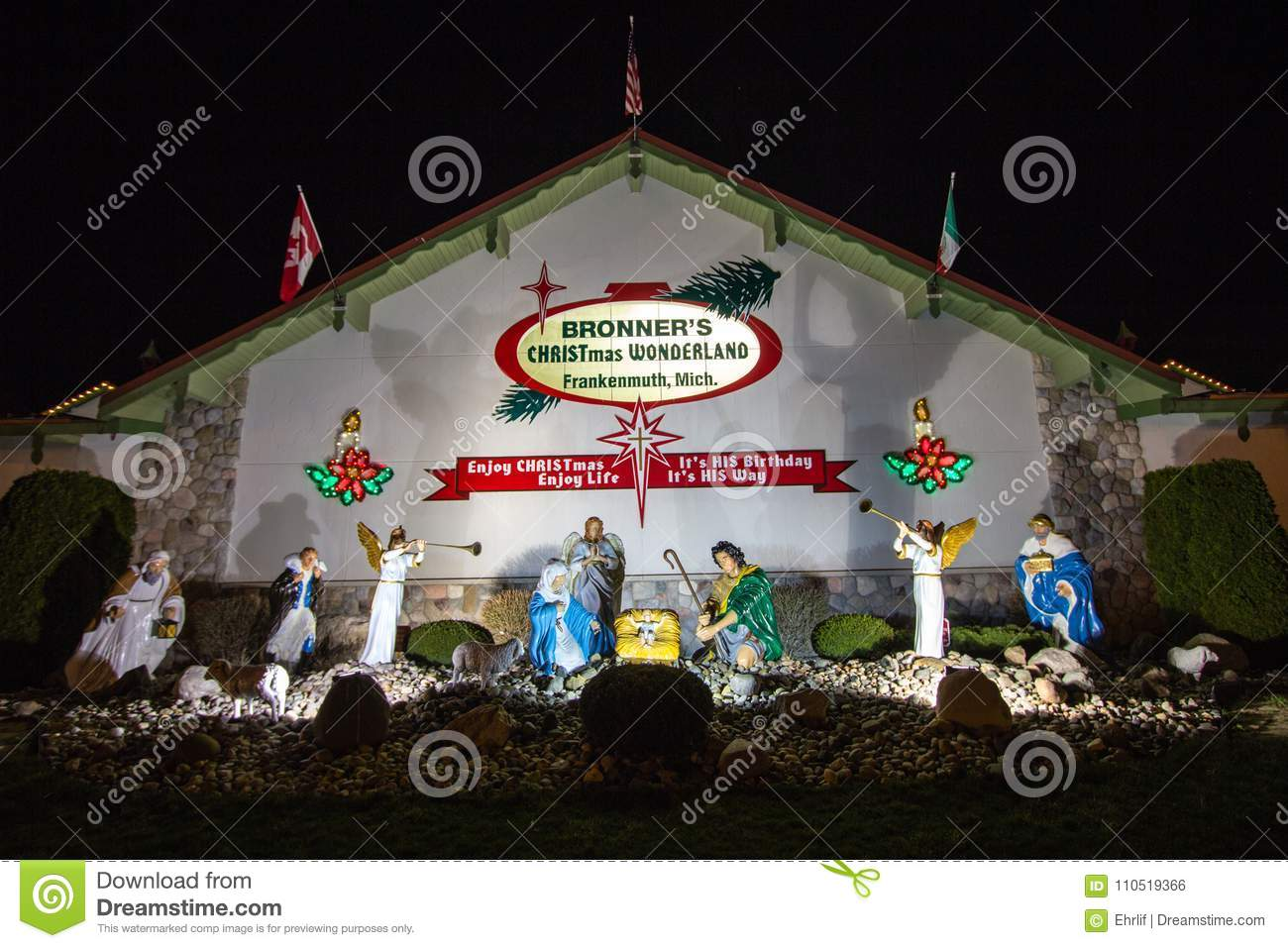 bronners christmas wonderland in frankenmuth michigan
