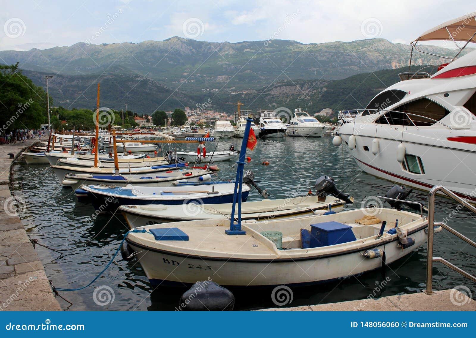 Тhe kolorowy port Budva, Montenegro