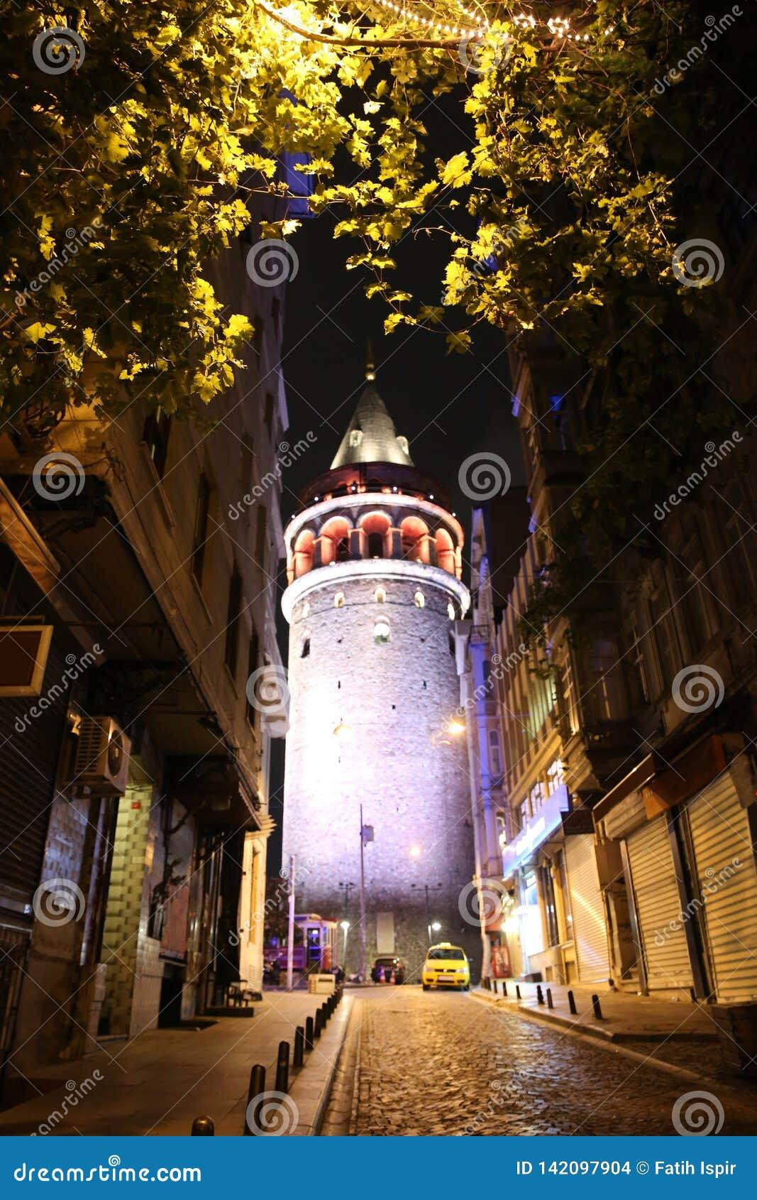 башня istanbul galata