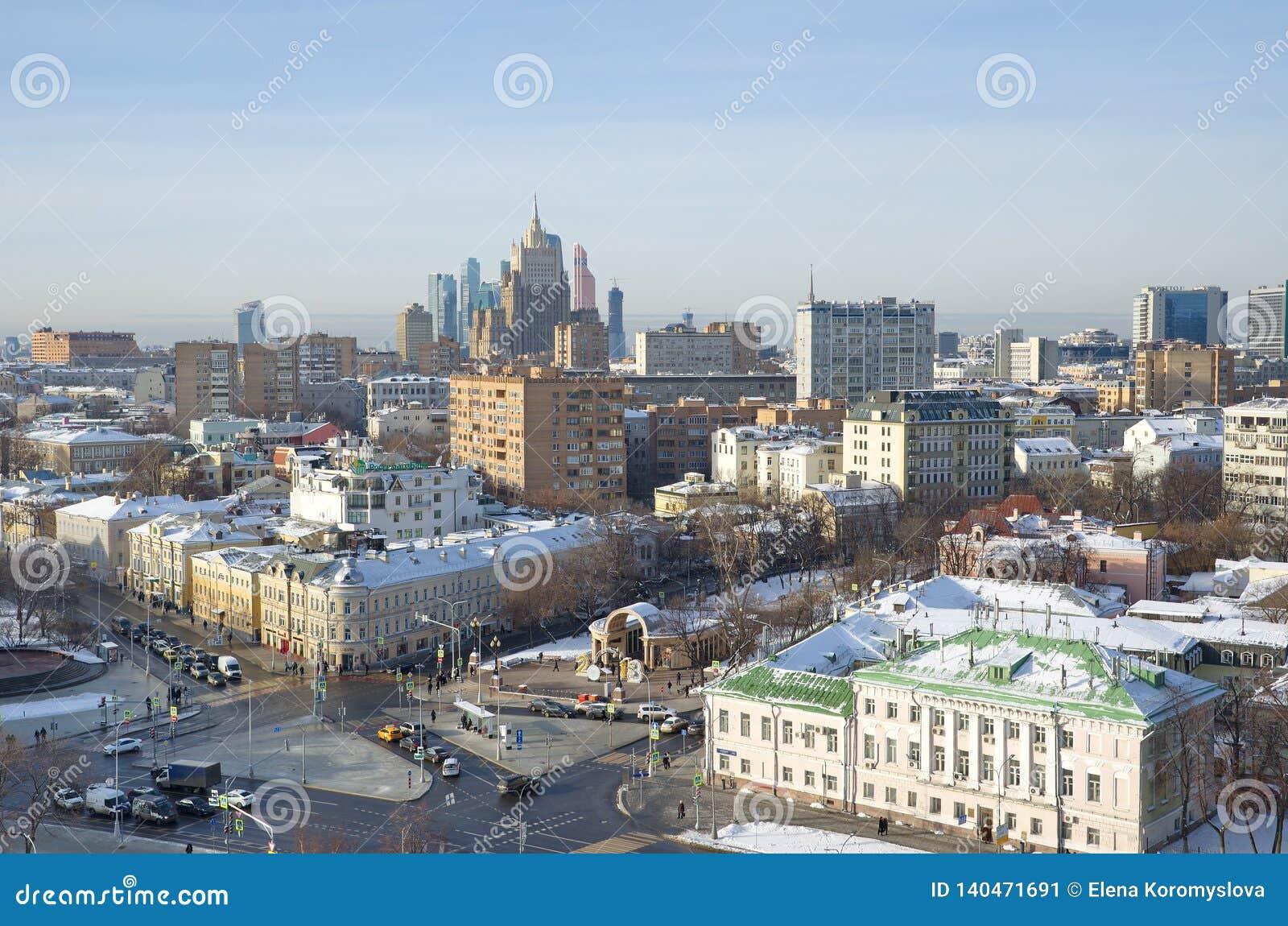 Взгляд зимы города Москвы, России