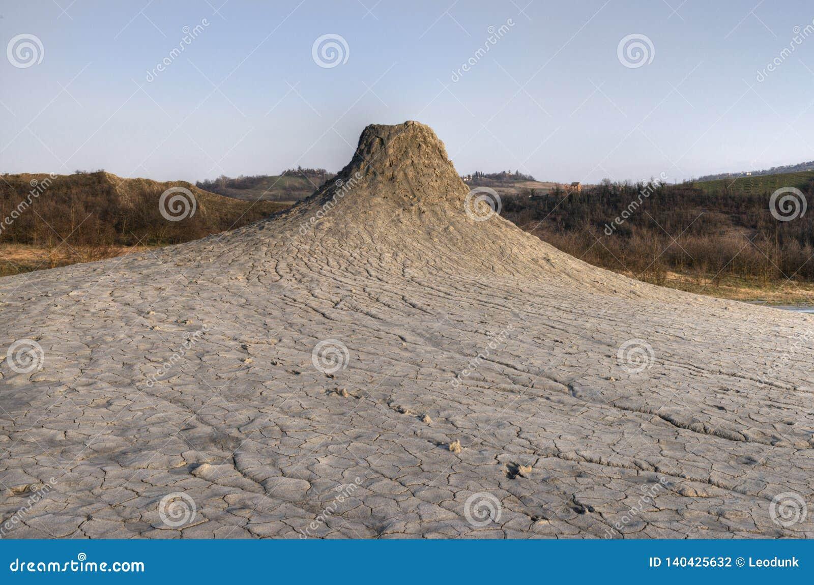 Вулкан грязи в Salse di Nirano Вулканы и кратеры грязи в эмилия-Романье, Италии