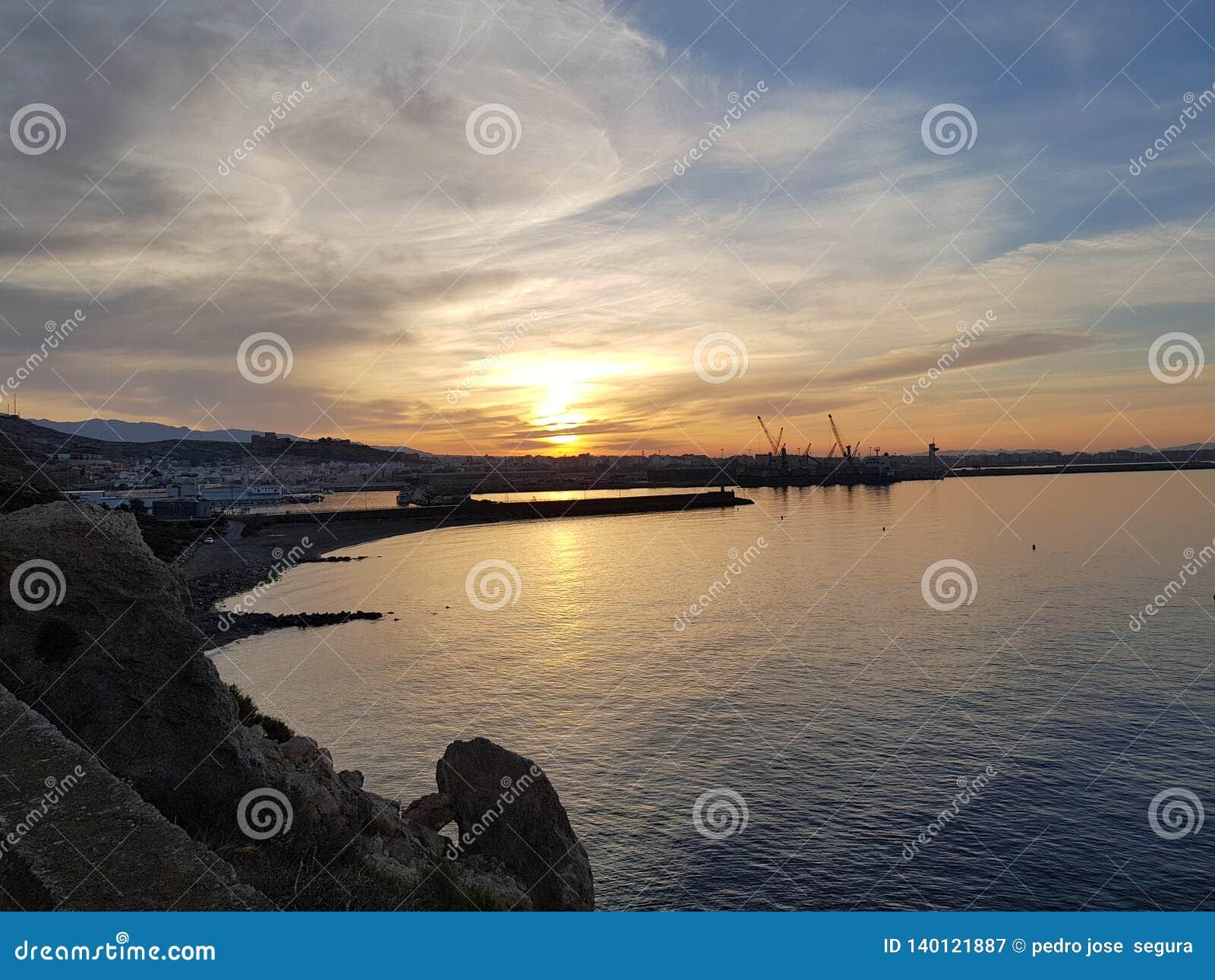 Восход солнца в almeria