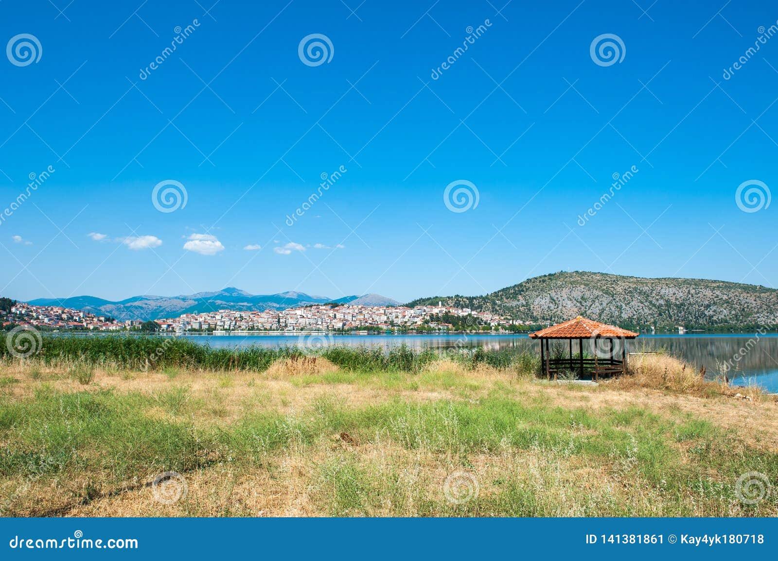 Газебо морем, оранжевый рай на озере