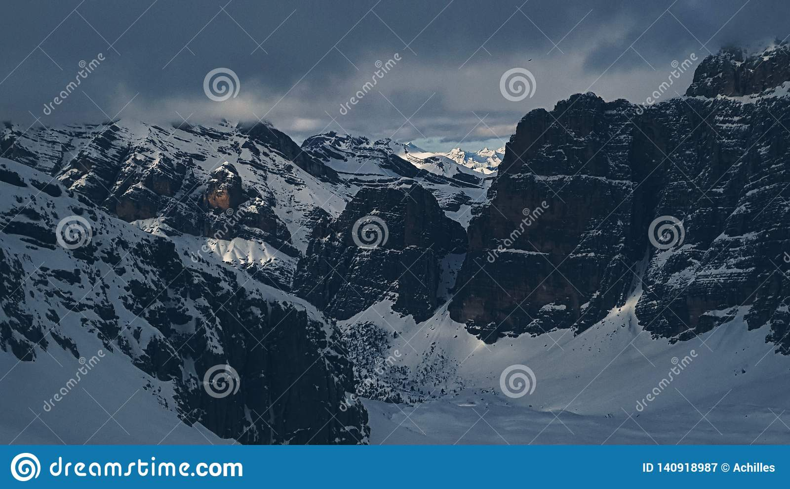 Горы доломитов увиденные от Lagazuoi