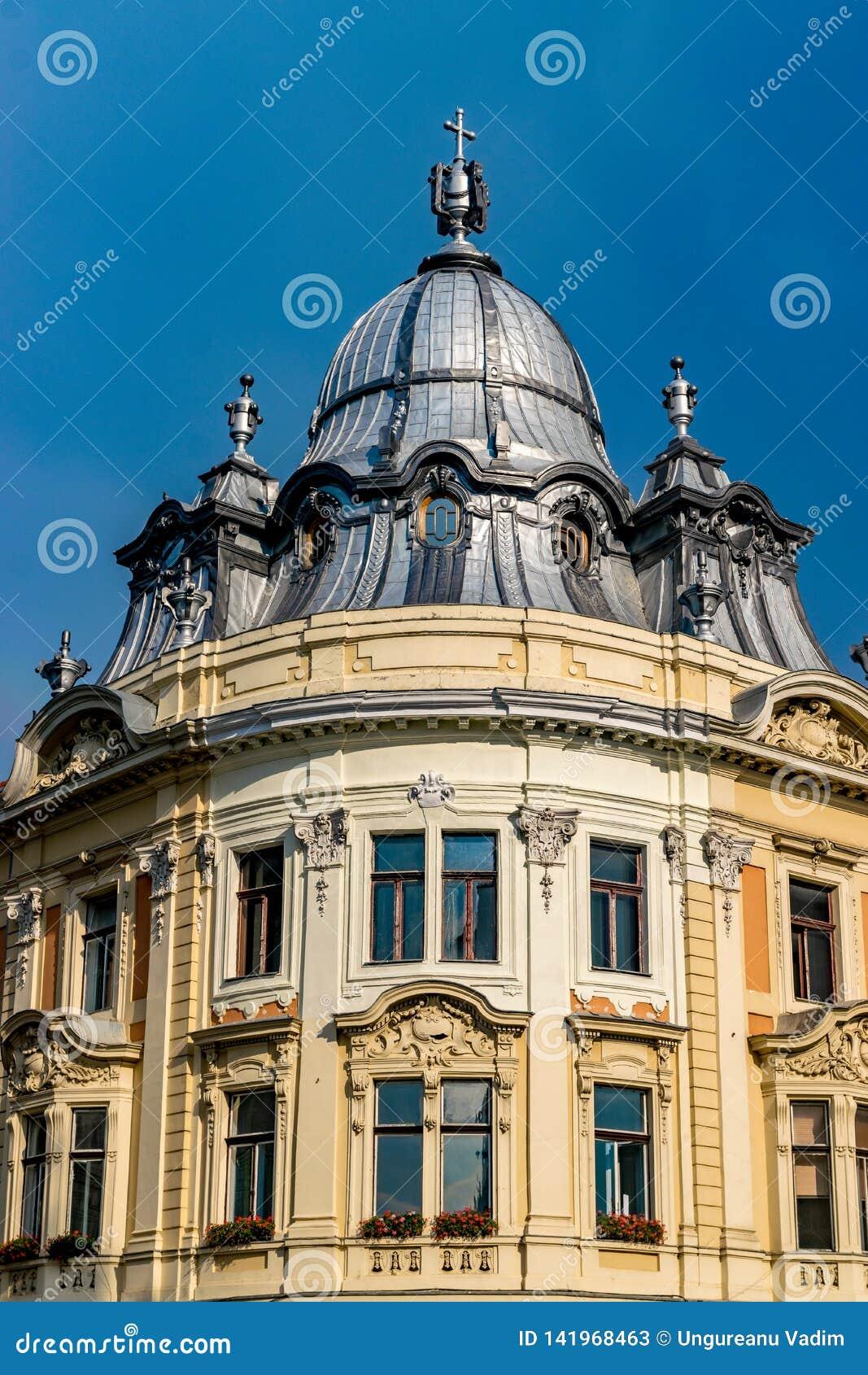 Здание дворца Banffy барочное в cluj-Napoca, Румынии