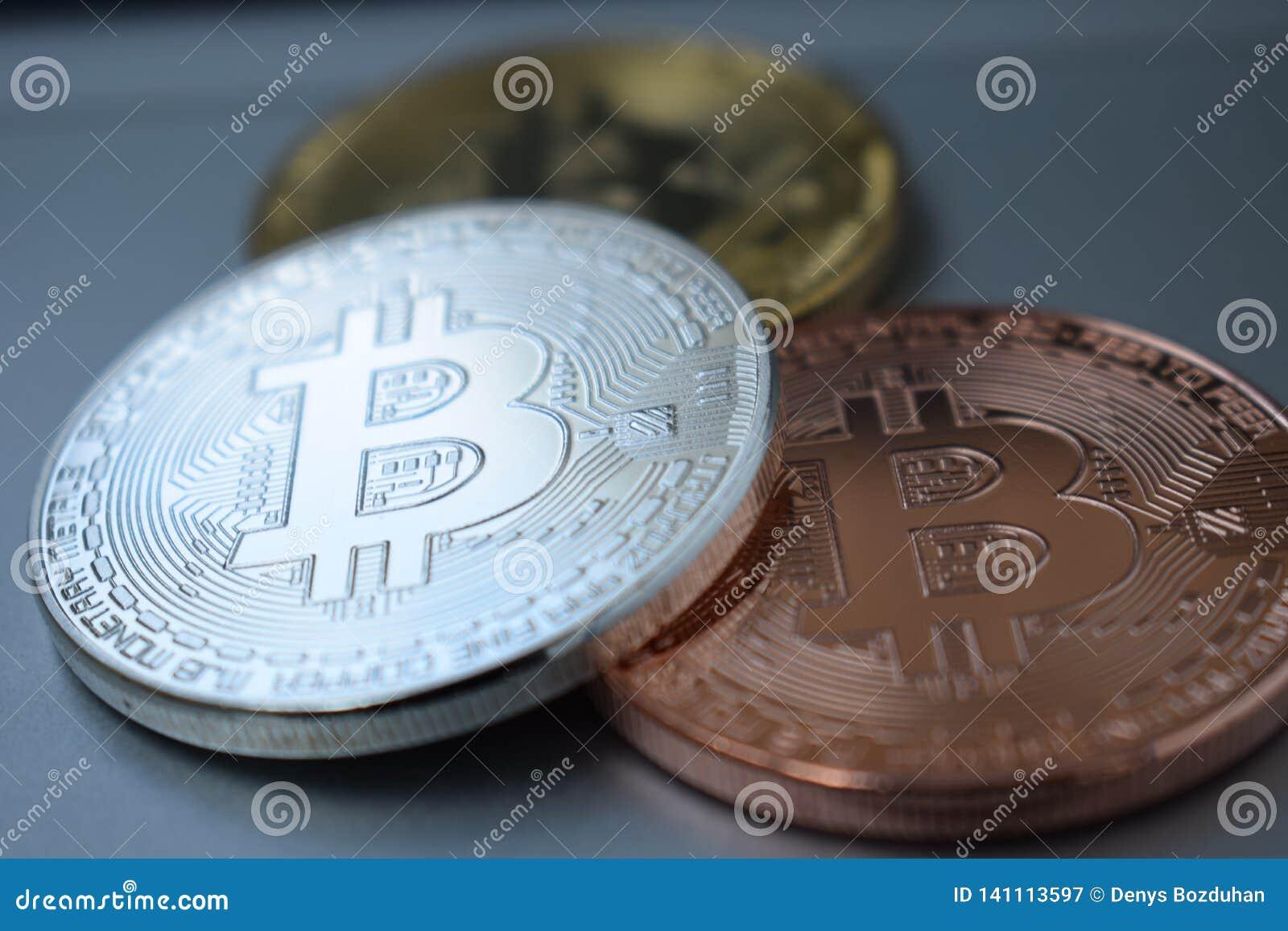 Золото 3 монеток, серебр, бронзовое Bitcoin Дело, коммерция, обмен