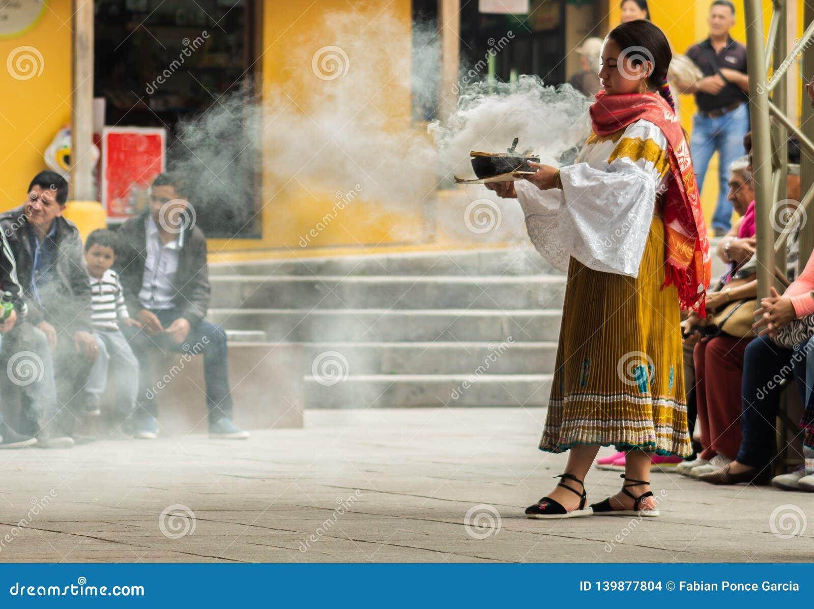 Индигенные танцоры эквадора