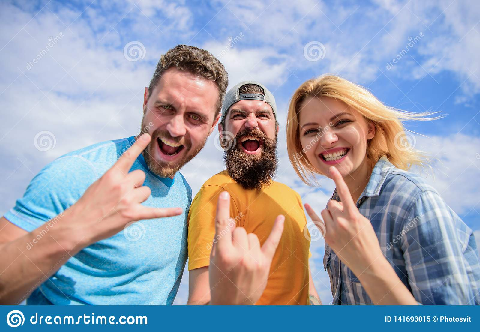 Каникулы и хобби Фестиваль посещения известный во время каникул Тяжелый рок навсегда Фестиваль рок-музыки Вентиляторы тяжелого ме